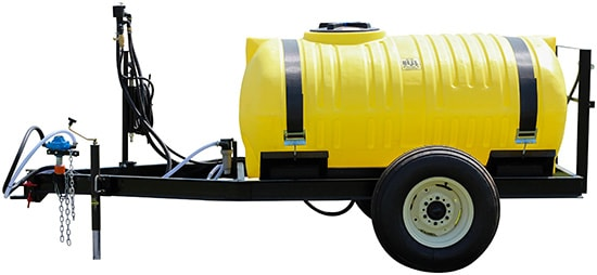 Pasture trailer sprayers for spraying water and fertilizer
